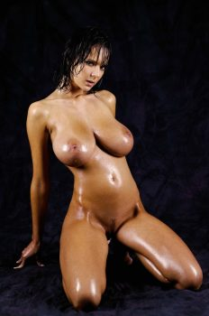 Karin Spolnikova oiled and nude
